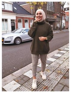 Hijab Chic, Casual Hijab Outfit, Casual Winter Outfits, Winter Fashion Outfits, Modern Hijab Fashion, Street Hijab Fashion, Muslim Fashion, Hajib Fashion, Baby Outfits
