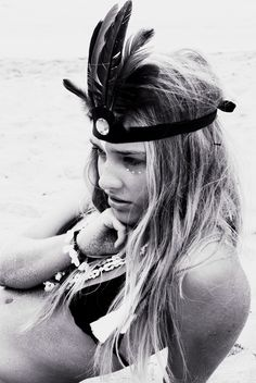 Beach Beauty feathered headband black and white