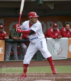 Carlos Valencia, 2B de los Pingos batea actualmente para .324