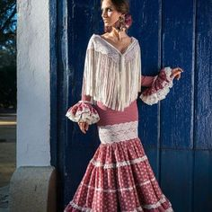 Spanish style – Mediterranean Home Decor Spanish Dress, Spanish Style, Cuban Dress, Flamenco Costume, Costumes Around The World, Spanish Wedding, Peter Pan Collars, Dress Up, Vintage Fashion