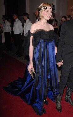 Кирстен Данст в винтажном платье Yves Saint Laurent