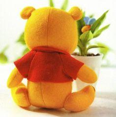 Molde ursinho pooh em feltro - Como Fazer Sites, Dinosaur Stuffed Animal, Diy, Animals, Winnie The Pooh, Fabric Dolls, Creativity, Hand Crafts, Needlework