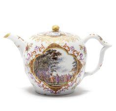 A Meissen teapot and cover, circa 1728