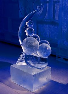 Momentum ice carving
