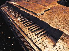 Alexis Shyam - The piano  https://www.youtube.com/watch?v=UKw5XCVEKAc