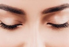 The Best Beauty Tips for Eyebrows. Eyebrow Shaping Tips. How To Shape Eyebrows At Home. Shape Eyebrows For Beginners. Fill In Eyebrows. Diy Eyebrows Makeup, Eyebrow Makeup Products, Eye Makeup, Best Beauty Tips, Beauty Hacks, Best Eyebrow Growth Serum, Castor Oil Eyebrows, Makeup For Older Women, Face Yoga