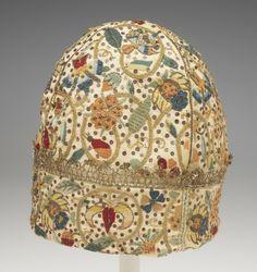 English, Man's nightcap, ca. 1580, Linen plain weave embroidered with silk, metallic thread, and metal sequins, and trimmed with metallic-thread lace; 25.4 cm (10 inches) (height), Rhode Island School of Design Museum 1987.042