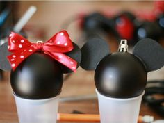 Personalized Minnie Mickey Mouse ornaments by corina Mickey Mouse Ornaments, Mickey Mouse Decorations, Disney Christmas Decorations, Minnie Mouse Christmas, Christmas Crafts To Make, Handmade Christmas Tree, Disney Ornaments, Mickey Mouse And Friends, Christmas Projects