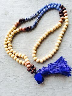 Tassel necklace wooden beads blue