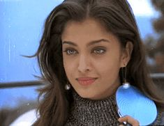 "Aishwarya in her Debut movie ""Iruvar"" Aishwarya Rai Makeup, Aishwarya Rai Photo, Actress Aishwarya Rai, Aishwarya Rai Bachchan, Bollywood Actors, Bollywood Celebrities, Aishwarya Rai Pictures, Jodhaa Akbar, Golden Hour Photos"