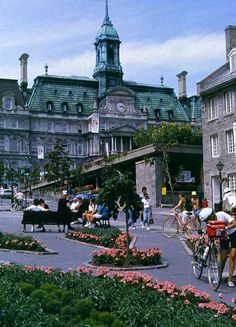 Place Jacques-Cartier, a wide, sloping pedestrian only street in Montreal with outdoor cafes and shops. Quebec Montreal, Old Montreal, Montreal Ville, Quebec City, Jacques Cartier, Alberta Canada, Westminster, The Places Youll Go, Places To See