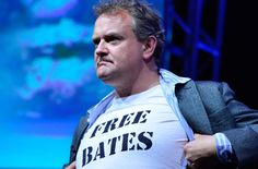Hugh Bonneville, who plays the Earl of Grantham on Downton Abbey, shows his feelings during the press tour presentation Saturday night. Go lord Granthum! Downton Abbey, Rick Riordan, Movies Showing, Movies And Tv Shows, Nicolas Le Floch, X Files, Emission Tv, Hugh Bonneville, Press Tour
