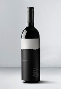 The simple color scheme works out so well. I love how the black matches the bottle and how it forms into a mountain.