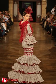 Carmen Fitz – We Love Flamenco 2015 Flamenco Costume, Flamenco Dancers, Flamenco Dresses, Folk Costume, Costumes, Spanish Dancer, 2015 Fashion Trends, Beading Tutorials, Diy Clothes
