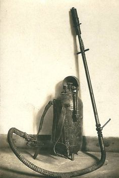 "World War I —- Flamethrower ""Kleif Model 1916"" (Germany) [650x972]"