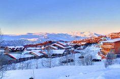Sundown over Beitostolen Holidays In Norway, Winter Holidays, Jotunheimen National Park, Europe Places, Lillehammer, Mountain Village, Cold Night, Otter, Winter Snow