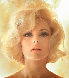 Gorgeous Iconic Short Blonde Hairstyle