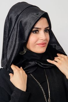 Black Tights Neckband Headband Ready wrap is a new interpretation in ready-made hijab , Hijab Fashion, Girl Fashion, Womens Fashion, Arabian Beauty Women, Turban Hijab, Cool Girl Style, Beautiful Muslim Women, Turban Style, Black Tights