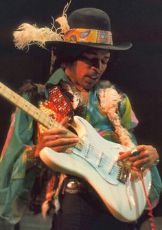 Jimi Hendrix 11/27/1942-9/18/1970 Dolly dagger, her love so strong it's gonna make you stagger. Lyrics