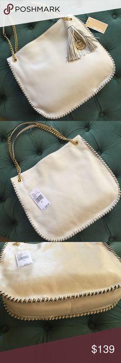222eccdf6b Michael Kors Purse 💕NWT💕 Michael Kors shoulder bag  purse new with tags.
