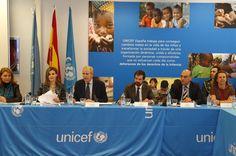 Doña Letiza en la mesa de reunión del Patronato de la Fundación UNICEF Comité Español Sede central de UNICEF España. Madrid, 16.03.2015