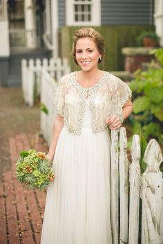 Novia con capa (Bride with layer)