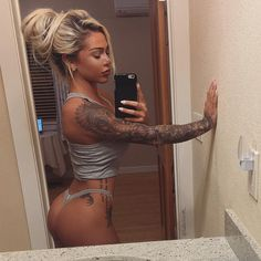 Beautiful sleeve tattoo and sexy girl = best mix Best Sleeve Tattoos, Hot Tattoos, Girl Tattoos, Sexy Tattoo Girls, Crown Tattoos, Girl Faces, Girl Sleeves, Fitness Tattoos, Sexy Girl
