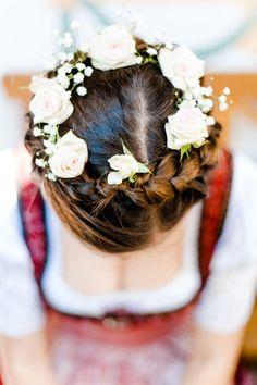 Hochzeitsfotograf Monika Schweighardt Photography | Braut Hairstyling - wunderschön