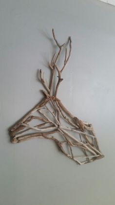 Twig Crafts, Nature Crafts, Home Crafts, Diy Home Decor, Diy And Crafts, Arts And Crafts, Driftwood Projects, Driftwood Art, Twig Art