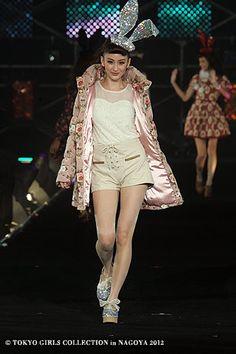LIZ LISA | Tokyo Girls Collection 2012  ( Japanese Fashion )