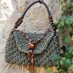 Tasche, Handtasche aus Zpagettigarn - olivgrün -  von La Isla auf DaWanda.com