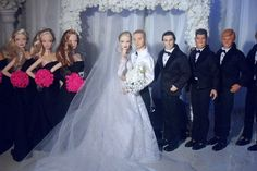 "Barbie's ""Hollywood Glamour"" wedding"