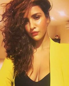 Sexy Unseen Indian girls pic: Aisha Sharma Very Hot to Handle
