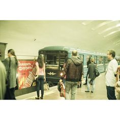 10 отметок «Нравится», 1 комментариев — Ivan (@tsymbaloff) в Instagram: «#metro #nsk #pentaconpraktika #kodakgold200 #новосибирск #метро»