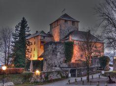 Schattenburg in Feldkirch Feldkirch, Alpine Style, Hiking Tours, Ski Slopes, Austria Travel, Holiday Accommodation, Kirchen, Alps, Germany