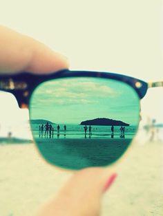 Revelar tu lugar de vacaciones a partir del reflejo en el cristal de tus gafas de sol