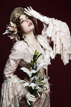 La Divine. Costume de ★Les Corsets de Montmartre★, Paris. http://www.corset-paris.fr/