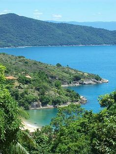 Praia Pouso da Cajaíba Paraty, RJ, Brasil - FeriasBrasil guia de turismo online