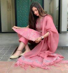 Ideas For Punjabi Bridal Wear Clothes Designer Kurtis, Indian Designer Suits, Designer Dresses, Dress Indian Style, Indian Dresses, Indian Outfits, Ethnic Outfits, Western Outfits, Pakistani Dresses Casual