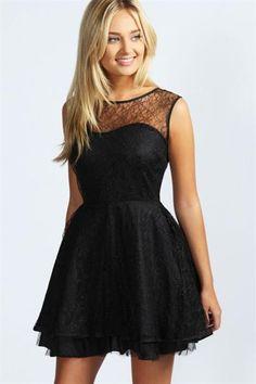 Хочу черное кружевное платье с пышной юбкой