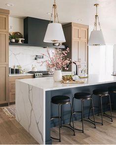 Home Decor Kitchen, Kitchen Interior, New Kitchen, Home Kitchens, Kitchen Ideas, Basement Kitchen, Luxury Kitchens, Design Kitchen, Interior Design Inspiration