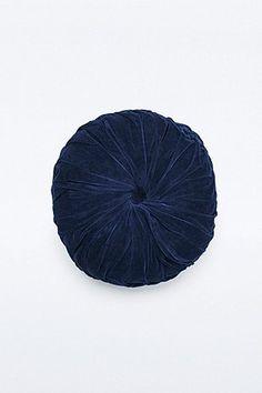 Coussin rond plissé bleu marine