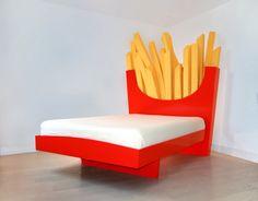 Elegant Cecilia Carey Und Harry Parr Haben Ein Bett Entworfen, Das An Eine  Pommes Box Von Fast Food Ketten Erinnert Und Dabei Isz Jedes Pommesstäbchen  Ein