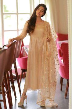 Anarkali Dress, Pakistani Dresses, Indian Dresses, Indian Outfits, Black Anarkali, Indian Clothes, Anarkali Suits, Lehenga, Sarees