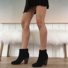Rag & Bone Classic Newbury 41 Rag & Bone Classic Newbury black suede boots in size 41. These are in great condition and the suede are the most comfortable of this style. They are a sort of faded black or dark charcoal color. Perfect wardrobe staple! rag & bone Shoes Ankle Boots & Booties