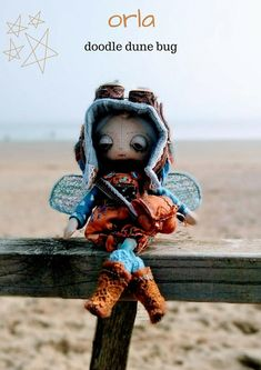 Orla a one of a kind little steampunk sand doodle dune bug Dee Day, Pixie Ears, Bug Art, Little Doodles, Creative Gifts, Dune, Puppets, Sea Shells, Art Dolls