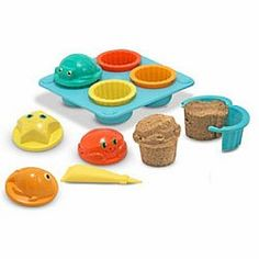 Sand Cupcake Set - Such a cute idea for the kids at the beach this year!