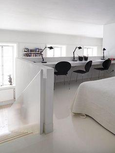 Mezzanine home office. Loft Spaces, Small Spaces, Interior Design Living Room, Living Room Designs, Kitchen Interior, Home Office, Office Nook, My New Room, Interior Inspiration