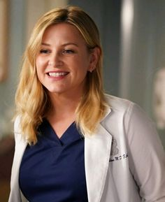 """""""Grey's Anatomy""""'s Jessica Capshaw Still Misses Callie, But Teases A Bright Future For Arizona Greys Anatomy Callie, Greys Anatomy Season, Greys Anatomy Characters, Greys Anatomy Cast, Arizona Robbins, Jessica Capshaw, Personajes Grey's Anatomy, Grey's Anatomy Doctors, Callie Torres"""
