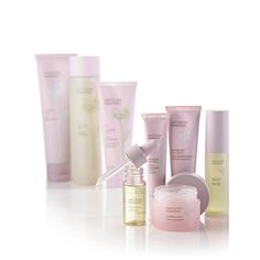 ARTISTRY: Essentials Treatment Products. www.amway.com/thomashaynes